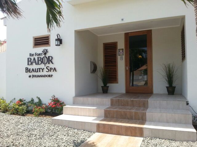 The Rif Fort Babor Beauty Spa Curacao @Julianadorp Shop stocks the finest natural and organic skin and body care products from Babor.
